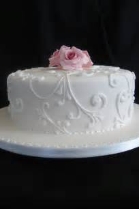 best 25 single tier cake ideas on pinterest one tier cake wedding cake simple and golden cake