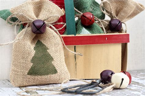hand made gift bags for christmas diy burlap gift bags live laugh rowe