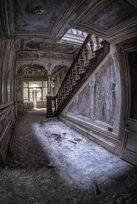 mansions of murder the a mystery a athelstan mystery books 1000 ideas about abandoned houses on