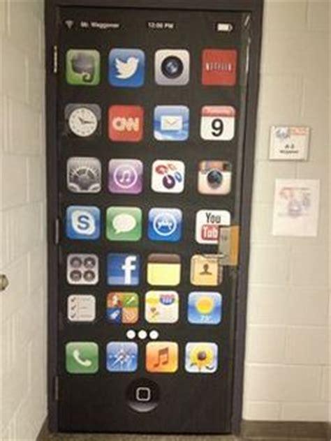 Technology Classroom Decorations by Technology Themed Bulletin Board Ideas