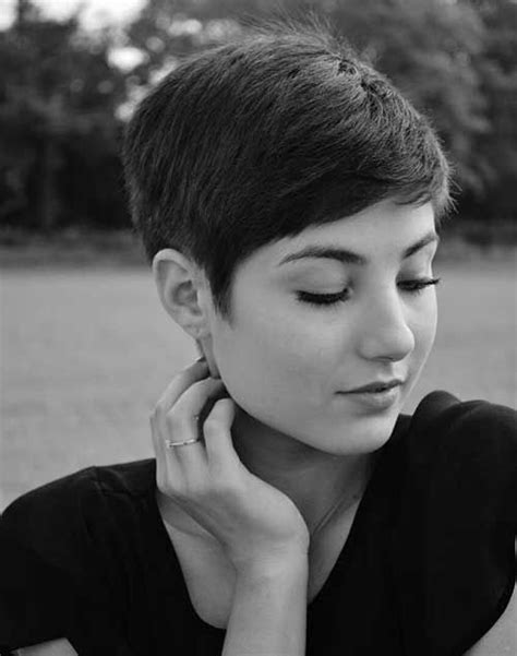 is pixie cut hair ok for cheeks 1000 ideas about pixie cut round face on pinterest