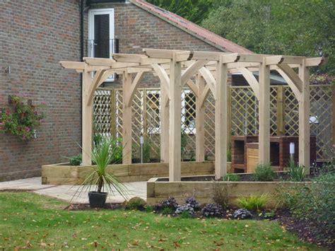 whats a trellis green oak pergola installation bespokegreenoak