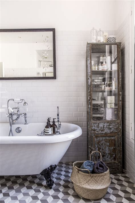 parisian bathroom decor interiors sophie durufi 233 s apartment in paris