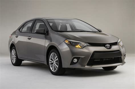 Wheels Toyota Corolla 2014 Toyota Corolla Le Eco Front Side View With Alloy
