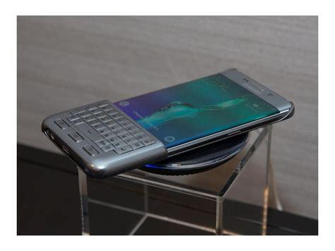 samsung fuehrt hardware tastatur als smartphone zubehoer ein