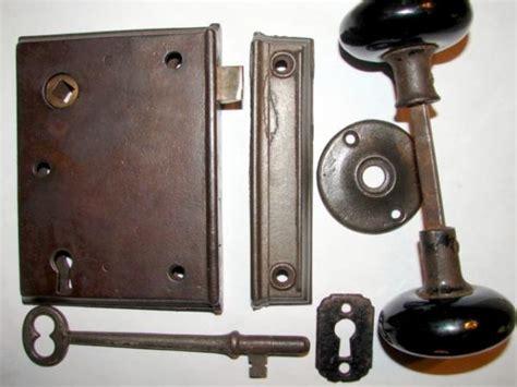 mounting  antique door knob doityourselfcom