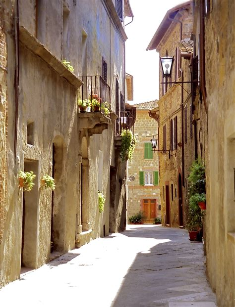 Tuscany Wall Murals file pienza street jpg wikimedia commons