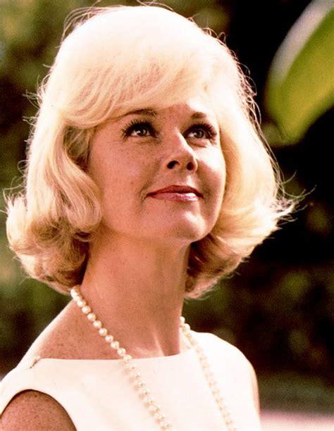 actress doris day little queen actress doris day pinterest days