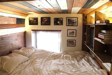 brooklyn man turns studio   bedroom apartment lifeedited