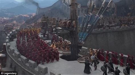 film china wall matt damon faces off against ancient chinese monsters in