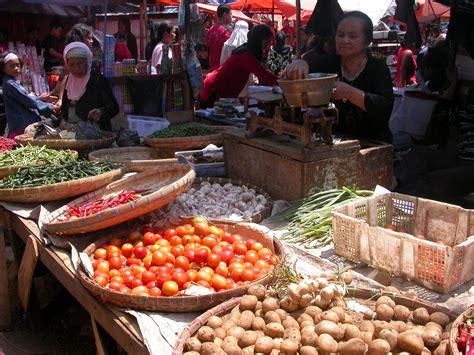 pasar tradisional  pasar modern dhievhiea
