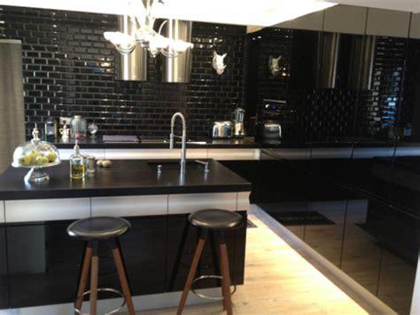 carrelage noir cuisine cuisine carrelage metro noir chaios com