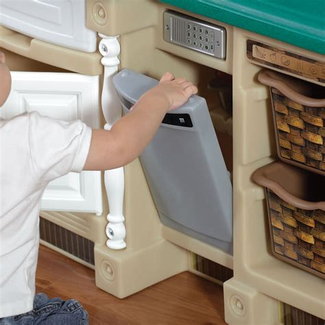lifestyle deluxe kitchen play kitchen step2