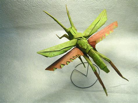 Single Paper Origami - mind boggling insects created out of one sheet of paper