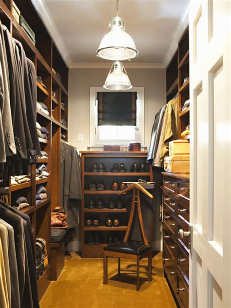 Walk In Wardrobe In Small Space by 25 Interesting Design Ideas And Advantages Of Walk In Closets