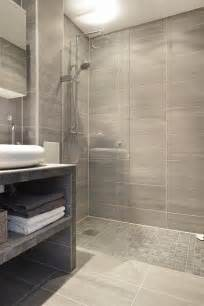 bathroom floor to wall ideas 25 best ideas about small bathrooms on pinterest