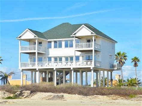 Beachfront House Close To Town 5 Bedrooms Vrbo Galveston House Rentals By Owner