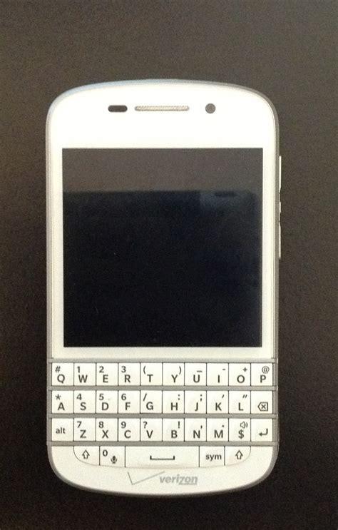 themes untuk bb q10 white blackberry q10 unboxing video berryreporter com