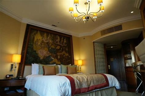 theme hotel bangkok grand and spacious thai themed bedroom with an extremely