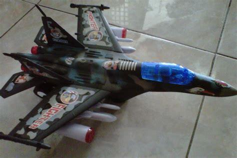 jual mainan pesawat jet tempur f16 with light and sound juragan mainan