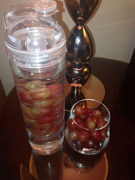 Detox Water With Apples And Grapes by The World S Catalog Of Ideas