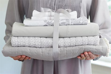 how to store comforters how to organize a linen closet how to decorate
