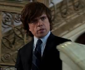 peter dinklage robin williams mila kunis delivers bad news to robin williams in first