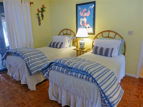 twin beds in master bedroom florida keys vacation home rentals islamorada