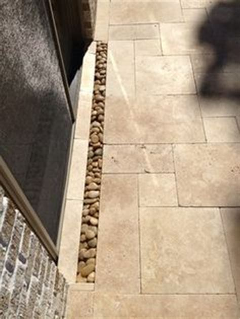 Wall Planter 6 Kantong Motif Peeble 1000 images about patio on travertine