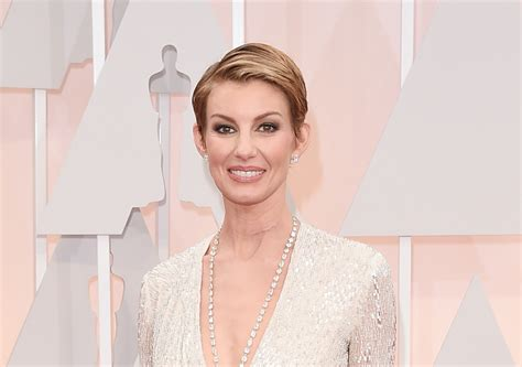 faith hills scar on neck from undisclosed surgery in january faith hill s neck scar explained extratv com