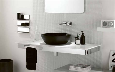 black  white theme  minimalist bathroom ideas