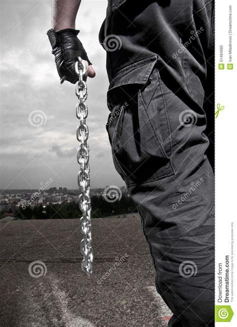 cadenas de hombre fotos hombre con las cadenas foto de archivo imagen 51484080