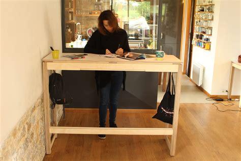 travailler debout bureau bureau pour travailler debout un meuble esth 233 tique