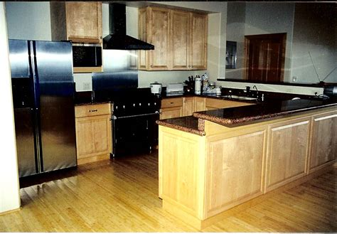 pictures of kitchens with maple cabinets images of maple cabinet kitchens home design and decor