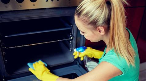 The Best Way To Clean Oven Racks by Smart Hacks To Keep The Oven Clean And Shiny Tips Tricks
