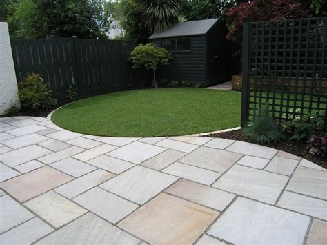 Paving Ideas For Small Gardens The 25 Best Ideas About Garden Paving On Paving Ideas Throughout Garden Paving