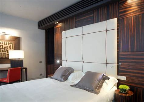 recessed lighting a hotel bed decoist