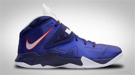 Sepatu Basket Nike Lebron Soldier 11 Yellow Blue nike zoom lebron soldier vii royal blue for 85 00