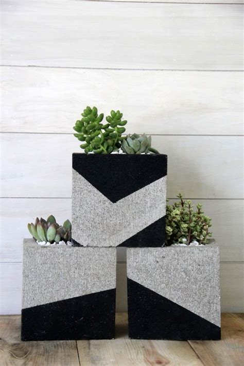 cinder block planter budget outdoor planter projects the budget decorator