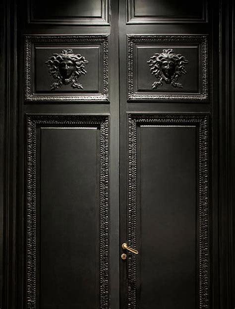 Scary Front Door Luxe L H 244 Tel By Martin Margiela Erika Brechtel