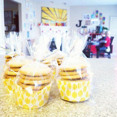 christmas light cupcakes baked bree