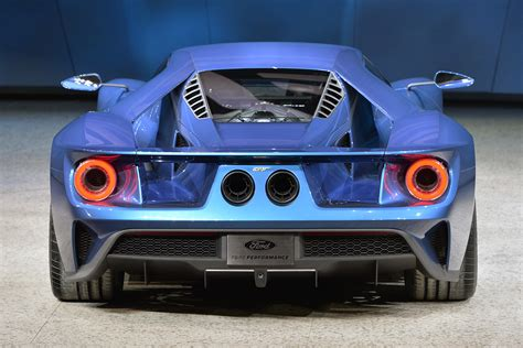ford gt 2016 ford gt the legend returns cars