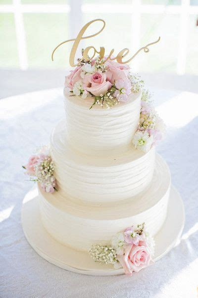 Wedding Cake With Pictures On It by 1000 Ideas About Wedding Cakes On Weddings