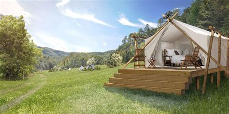 luxury camping resorts    glamping