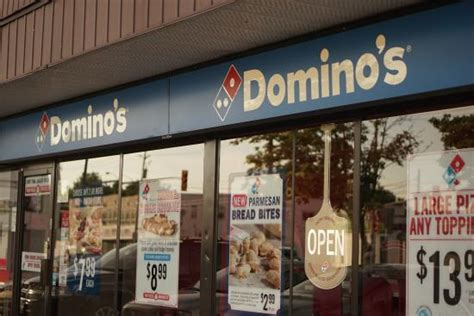 Domino Pizza Windsor | domino s pizza windsor 4000 tecumseh rd e restaurant