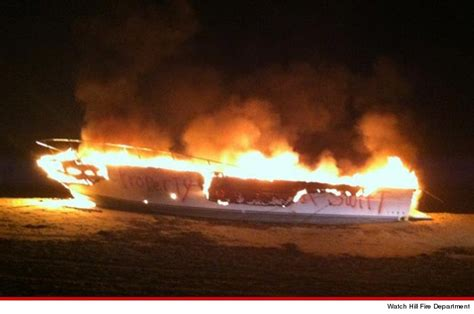 taylor swift beach house taylor swift boat torched near beach house property of taylor swift tmz com