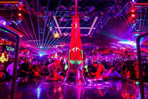 top vegas strip bars best las vegas strip clubs