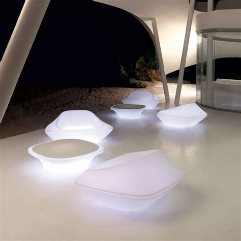 table basse avec led rgb design ufo vondom zendart design