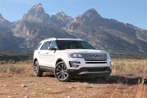 2016 ford explorer platinum 2016 ford explorer platinum review autoguide news