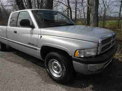car owners manuals free downloads 2000 dodge ram 2500 interior lighting service manual 2000 dodge ram 1500 cylinder manual buy used 2000 dodge ram 1500 4 door quad